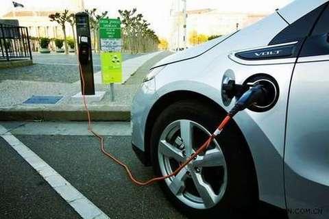 2014年共3.94万辆新能源汽车免征<font  color=