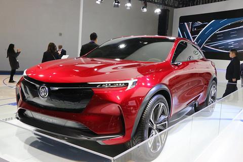 中国新能源汽车展览会开幕 长安逸动EV460等多款新能源车型集体亮相