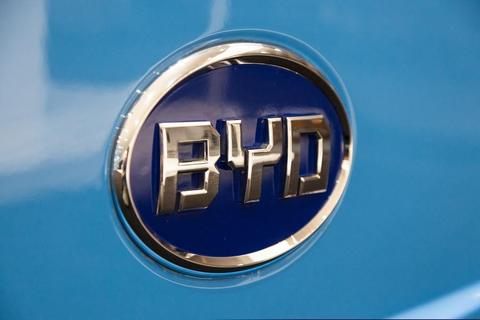 比亚迪中期业绩交流,e网定价将调整,明年推新一代铁锂电池