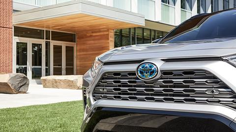 2020年电动汽车时期,丰田将正在油电混动和插电混动周全发作