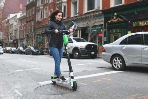 国外流行的共享电动滑板车,并没有想象的那样环保