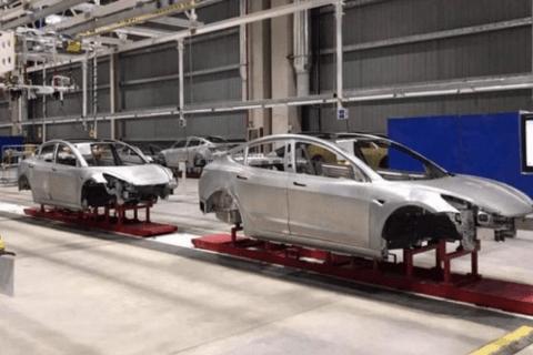 特斯拉上海工厂再曝内部图:已有Model 3车身下线
