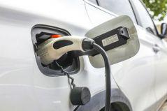 新能源汽车开足马力驶向全球