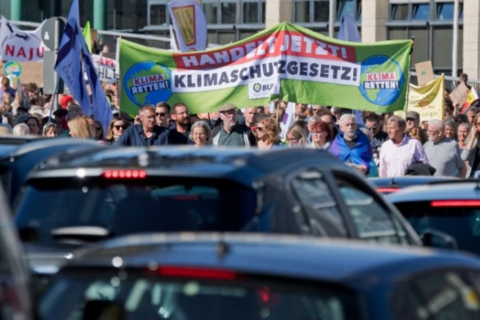 德国征收二氧化碳税,提高电动补贴,大众如愿以偿