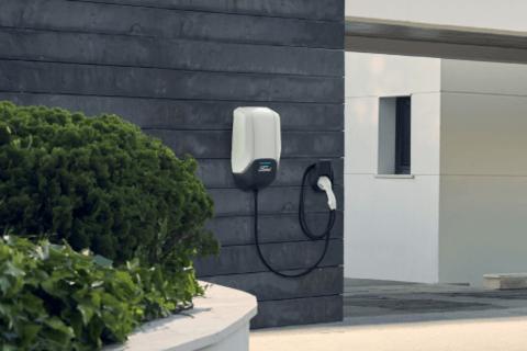 福特提供北美最大万博体育投注汽车充电网络 还与亚马逊合作家庭充电方案