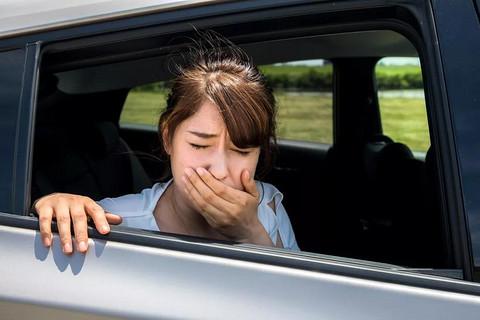 坐电动车更容易晕车,是谣言吗?