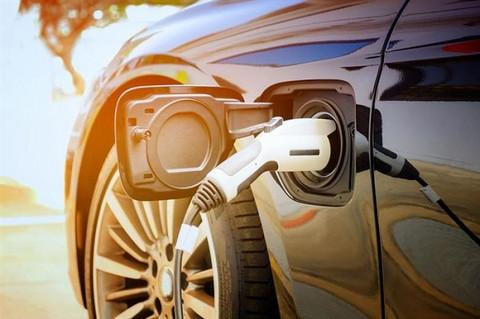 新能源汽車:與理想背道而馳?