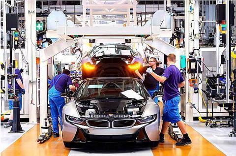 EV晨报 | 宝马2023年将推出25款电动汽车;金康新能源获9.6亿元增资;福特将推复古电动跑车