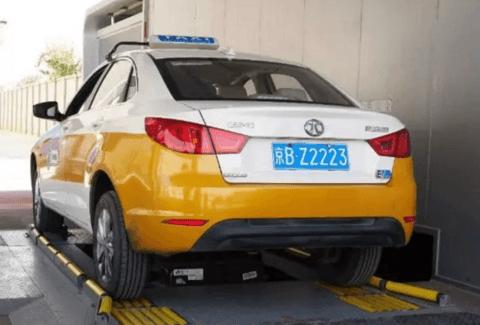 北京的新风向:纯电动出租车、换电