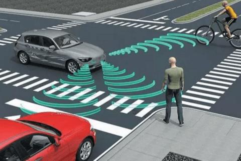 """为了保护行人安全,各国出台法规要求电动汽车""""发声"""""""