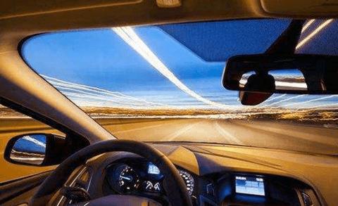 三家公司获发自动驾驶商用牌照 真正商用还需时间