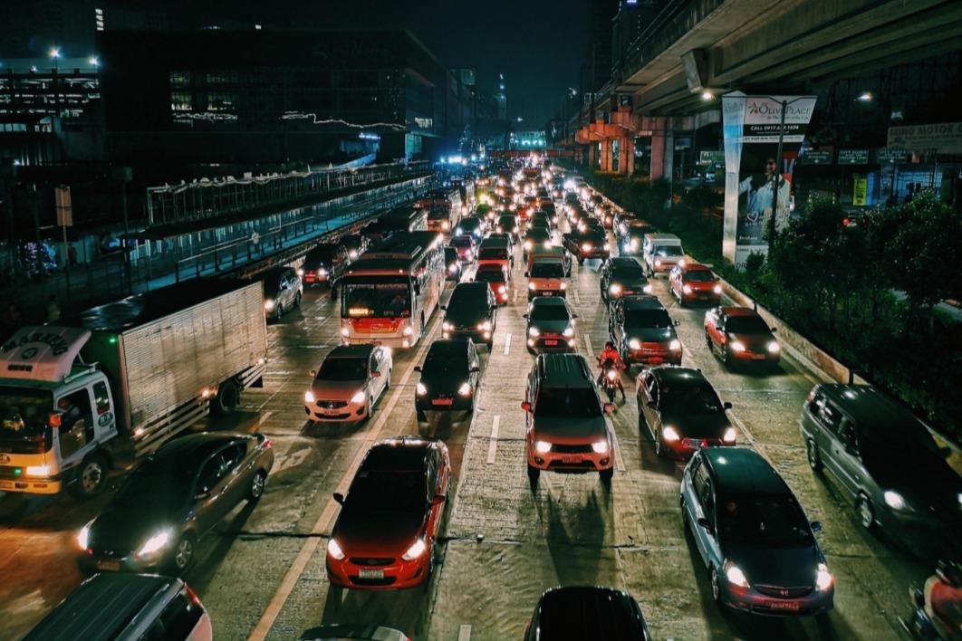 复盘车市上半场:欣欣向荣的表象下潜藏暗涌