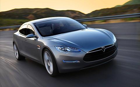特斯拉model X和S相对于同价位的其他燃油车型,每年能节省多少费用?
