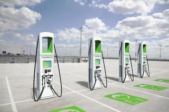 如何找電動汽車充電樁?
