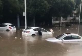 全国大面积降雨,纯电动汽车能扛过来吗?