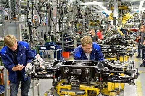 法兰克福风向标:德国汽车全面进攻电动化
